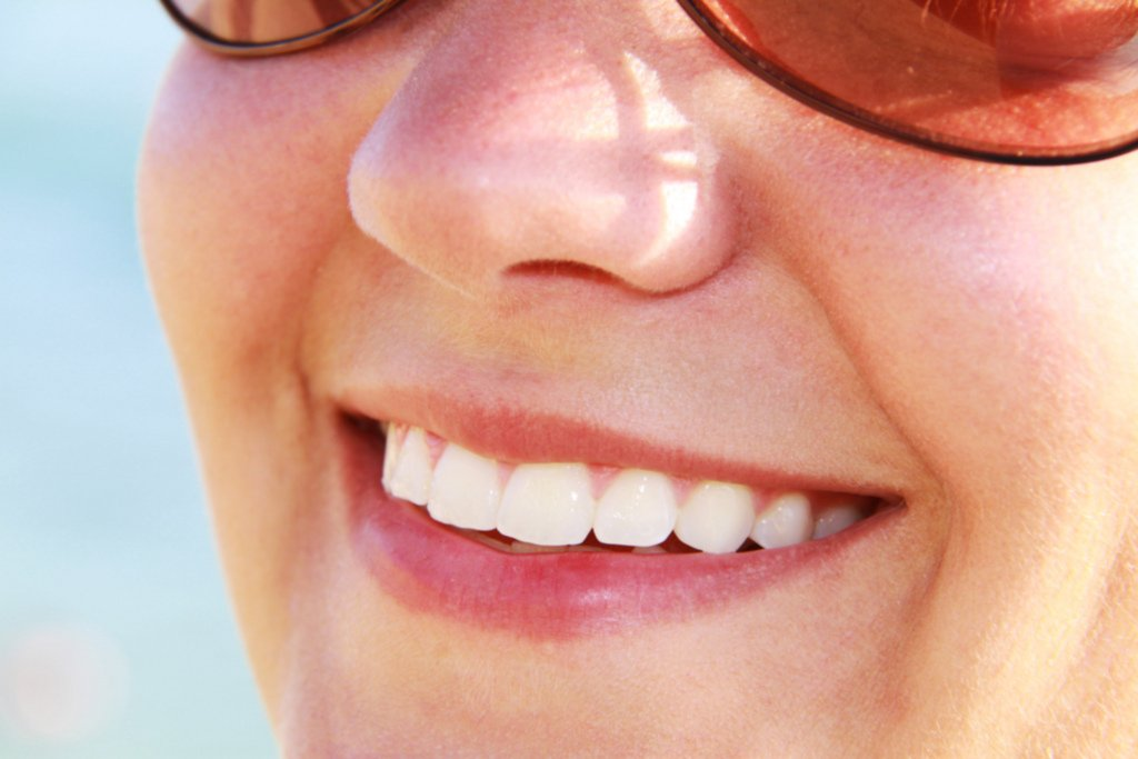 A new material printed onto teeth could help the approximately one in 10 people who suffer from dental sensitivity caused by worn enamel.